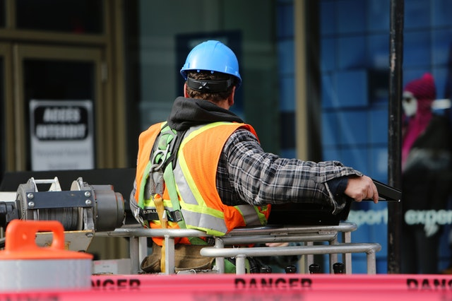 Read more about the article 11 Daily Workplace Safety Tips in Manufacturing